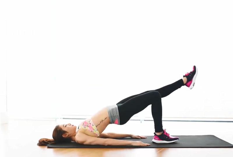 Bài tập giảm cân dành cho người lười. Lười vận động, ăn uống dư chất khiến nhiều người rơi vào tình trạng thừa cân. Tập thể dục chính là phương pháp an toàn và hữu hiệu nhất để giảm cân. (CHI TIẾT)