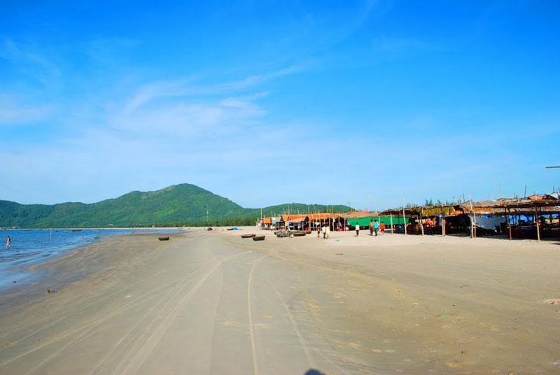 Địa danh này nằm cách thành phố Huế chừng 60 km. Ảnh: Thanh Sơn HP.