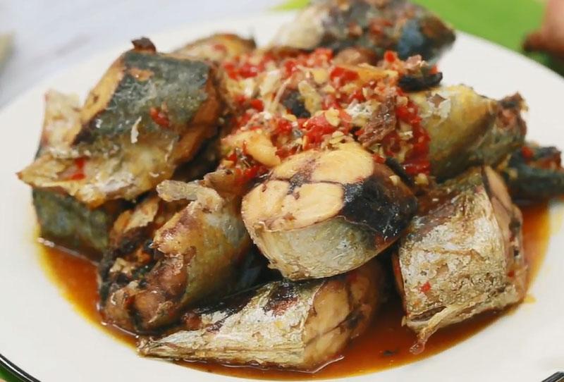 Cách làm món cá nục kho nước mía ngon như người Nam Bộ. Cá nục kho nước mía là món ngon dân dã của con dân Nam Bộ. Vị ngọt của nước mía quyện với những miếng cá thơm mềm tạo nên món ngon không thể chối từ. (CHI TIẾT)