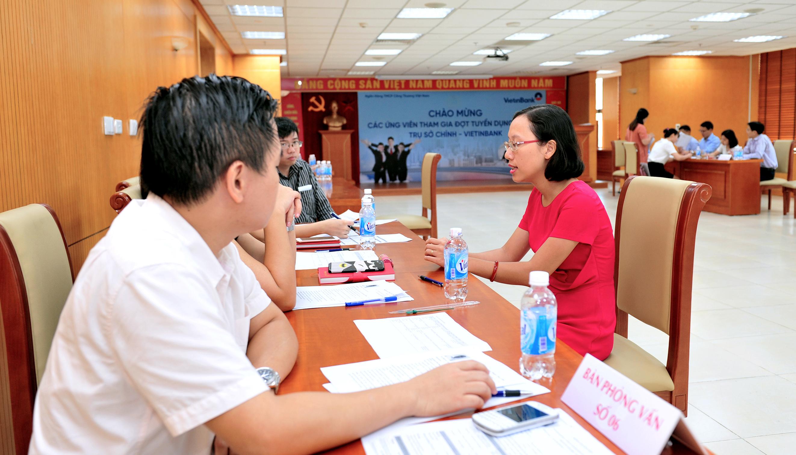 Phỏng vấn tuyển dụng các ứng viên tại VietinBank.