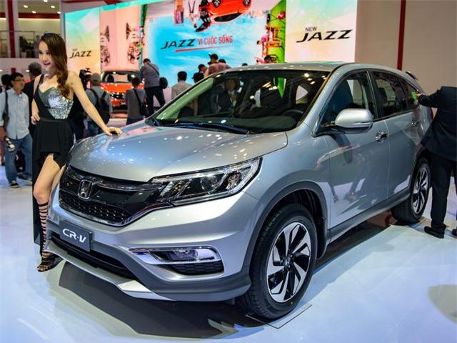 Doanh số Honda CR-V tại Việt Nam gấp đôi Mazda CX-5. Nhờ sự kiện giảm giá gây sốc hồi đầu tháng 9 vừa qua, CR-V ghi nhận doanh số cao kỷ lục và vượt xa đối thủ CX-5. (CHI TIẾT)