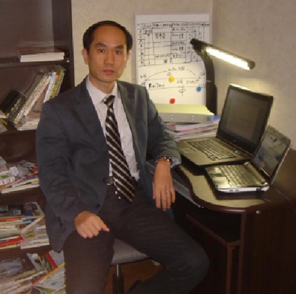 Tiến sỹ Nghiêm Quang Minh - chuyên gia Ủy ban Sạt - Trượt đất thuộc Tổng hội Xây dựng Nhật Bản.