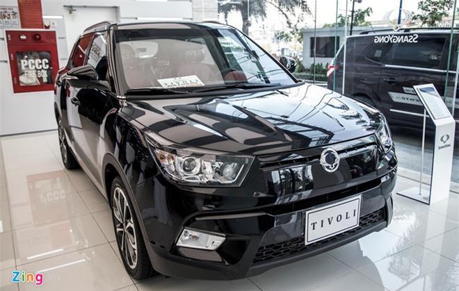Loạt xe Ssangyong sắp được phân phối tại Việt Nam, giá từ 630 triệu đồng. Ssangyong đặt mục tiêu bán được 1.000 chiếc xe hơi vào năm 2018. Mức giá thấp nhất trên mẫu Tivoli là từ 630 triệu đồng. (CHI TIẾT)