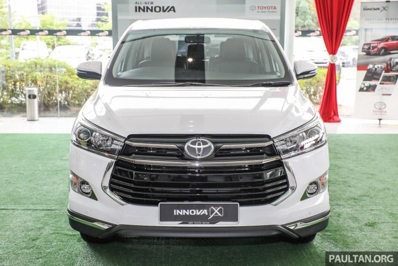 Về tính năng an toàn, Toyota Innova 2.0X được trang bị 7 túi khí, hệ thống chống bó cứng phanh (ABS), phân bổ lực phanh điện tử (EBD), cân bằng điện tử (VSC), hỗ trợ lực phanh khẩn cấp (BA).