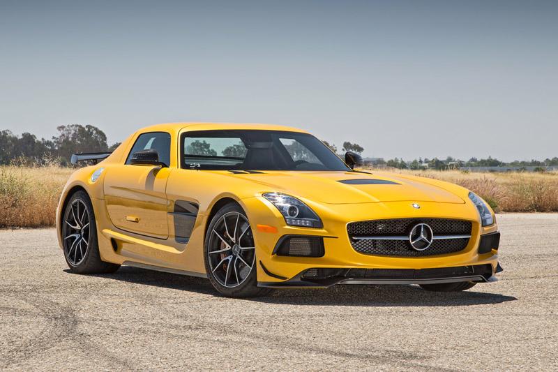 Top 10 xe V8 mạnh nhất thế giới. Trang AB vừa liệt kê ra danh sách 10 xe V8 mạnh nhất thế giới hiện nay. Dẫn đầu là chiếc Dodge Challenger SRT Hellcat với công suất tối đa 707 mã lực. (CHI TIẾT)