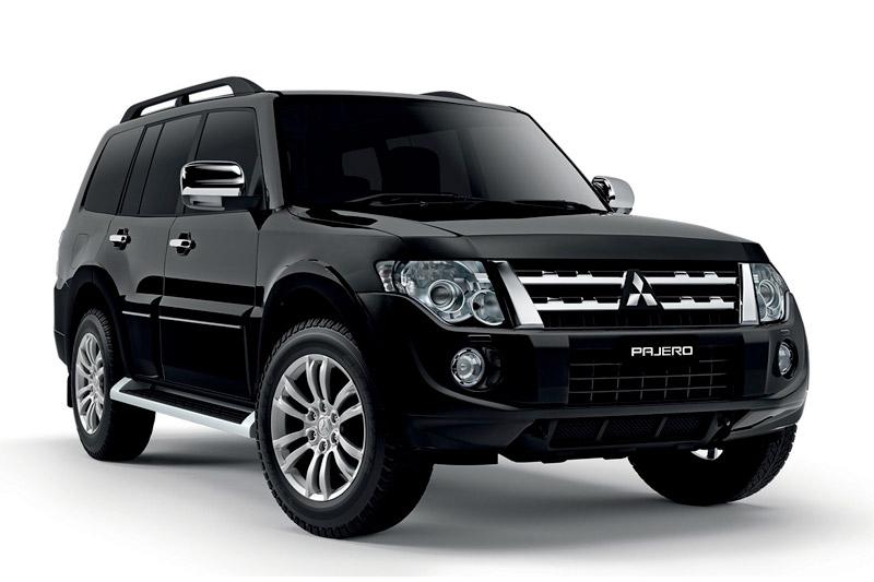 Mitsubishi Pajero được giảm giá 214 triệu đồng.
