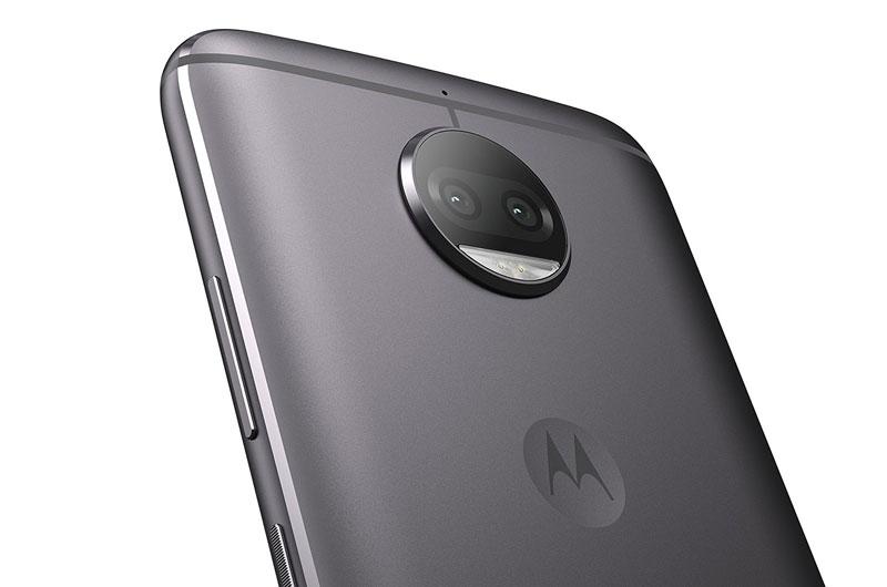 Motorola Moto G5S Plus được trang bị camera kép ở mặt lưng.