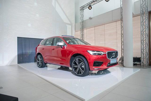 Volvo XC60 2018 sắp ra mắt tại triển lãm VIMS 2017. Mẫu xe Volvo XC60 2018 là một trong số những điểm nhấn về xe mới sẽ trình diễn tại triển lãm VIMS sắp diễn ra cuối tháng này. (CHI TIẾT)