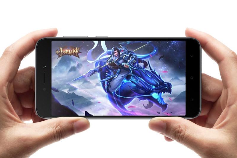 Redmi 5A sử dụng màn hình IPS kích thước 5 inch, độ phân giải HD (1.280x720 pixel), mật độ điểm ảnh 294 ppi.
