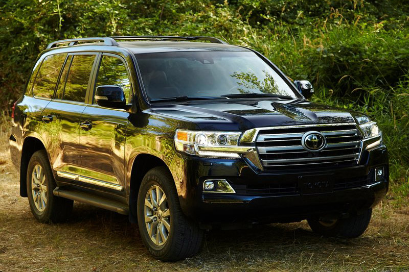 5. Toyota Land Cruiser (doanh số: 165 chiếc).