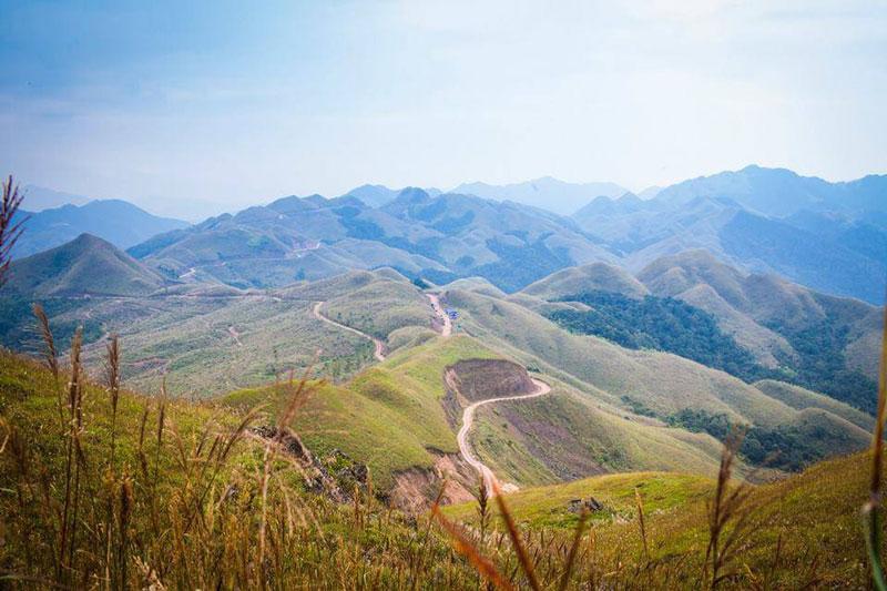 Huyện Bình Liêu cách thành phố Hạ Long khoảng 108 km. Ảnh: Wetrek.