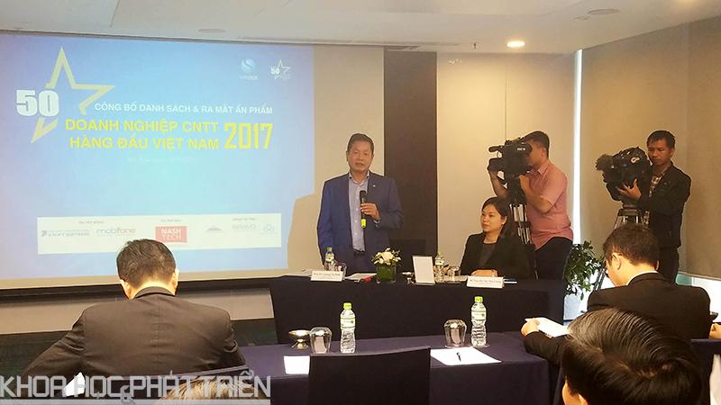 Ông Trương Gia Bình phát biểu tại lễ ra mắt ấn phẩm