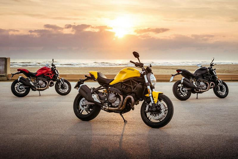 Ducati Monster 821 2018 có 3 tuỳ chọn màu sắc gồm vàng, đỏ và đen mờ. Giá bán của mẫu naked bike này chưa được hé lộ.