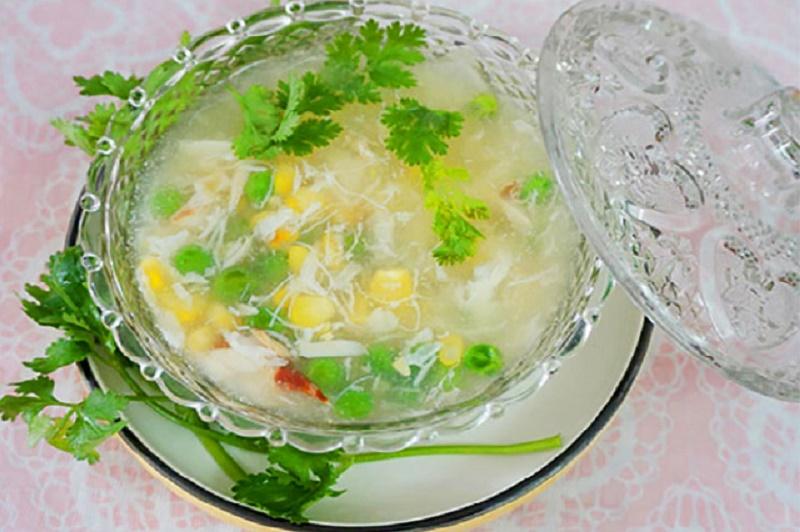 Cách nấu súp cua thơm ngon, bổ dưỡng cho trẻ biếng ăn. Món súp cua là sự kết hợp của nhiều nguyên liệu tươi ngon, bổ dưỡng nên có hương vị hấp dẫn lại rất tốt cho sức khỏe, đặc biệt là với trẻ em đang trong lứa tuổi phát triển. (CHI TIẾT)