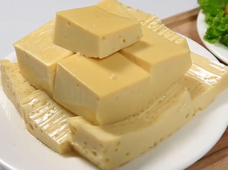 Cách làm món đậu phụ trứng ngon, bổ, rẻ. Đậu phụ trứng là món ăn còn khá xa lại với nhiều người Việt Nam. Tuy nhiên, nếu bạn được 1 lần nếm thử sẽ muốn ăn thêm những lần tiếp theo đấy! (CHI TIẾT)