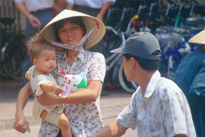 Hinh anh de doi ve phu nu Viet Nam thap nien 1990 (1)-Hinh-4