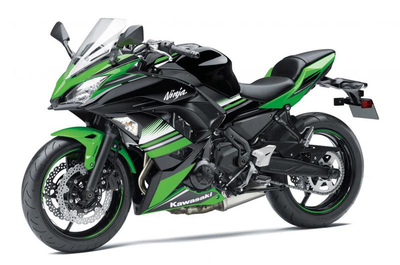 Cận cảnh Kawasaki Ninja 650 2017 giá 228 triệu đồng tại Việt Nam. Kawasaki Ninja 650 2017 vừa cập bến thị trường Việt Nam với giá bán từ 228 triệu đồng. Dưới đây là những hình ảnh và thông tin chi tiết về mẫu môtô này. (CHI TIẾT)