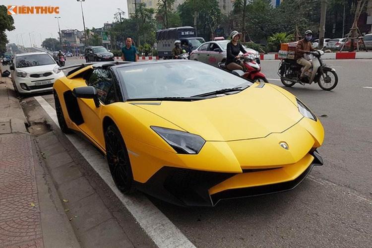 Lamborghini Aventador SV mui trần giá 39 tỷ tại Việt Nam. Lamborghini Aventador SV phiên bản mui trần độc nhất Việt Nam có giá lên đến 39 tỷ đồng, chỉ có số lượng sản xuất giới hạn 500 chiếc (CHI TIẾT)