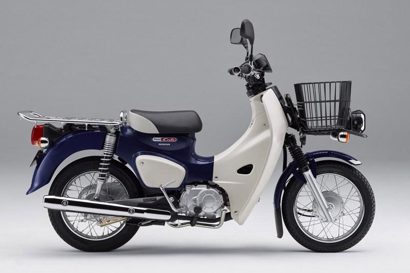 Cận cảnh Honda Super Cub 2018 vừa ra mắt. Honda Super Cub 2018 vừa được ra mắt tại thị trường Nhật Bản với giá khởi điểm 232.200 Yen (tương đương 46,17 triệu đồng). Dưới đây là những hình ảnh và thông tin chi tiết của mẫu xe số này. (CHI TIẾT)