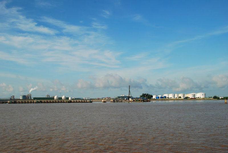Sông Bạch Đằng nổi tiếng với 3 chiến công của dân tộc Việt Nam. Ảnh: Thanh Sơn HP.