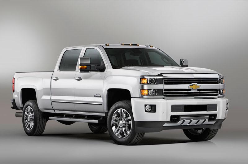 8. Chevrolet Silverado 2500HD High Country 2018 (giá: 68.455 USD).