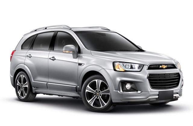 6. Chevrolet Captiva REVV.  Cách đây 1 tháng,GM Việt Nam đã thực hiện chương trình giảm giá cho toàn bộ các dòng xe Chevrolet với mức giảm dao động từ 9-80 triệu đồng. Trong đó, mẫu SUV 7 chỗ Captiva REVV được giảm 44 triệu đồng, giá mới của nó hiện chỉ còn 835 triệu đồng.