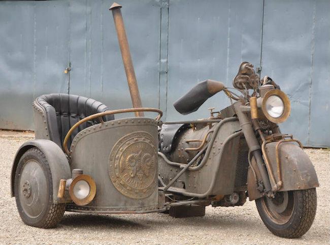 Ngây ngất Honda Goldwing bản độ siêu anh hùng, giá 1,6 tỷ đồng. Với thiết kế hầm hố, đậm màu thời gian, Honda Goldwing bản độ đã làm tái hiện lại giai đoạn bi tráng của Đế chế Rome một thời. (CHI TIẾT)