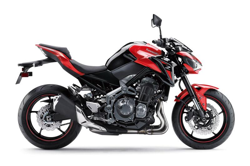 """""""Soi"""" môtô Kawasaki gần 300 triệu tại Việt Nam. Kawasaki Z900 2018 vừa được bán ra tại thị trường Việt Nam với giá 288 triệu đồng. Mẫu naked bike này được trang bị động cơ DOHC 4 xi lanh thẳng hàng với dung tích 948cc. (CHI TIẾT)"""