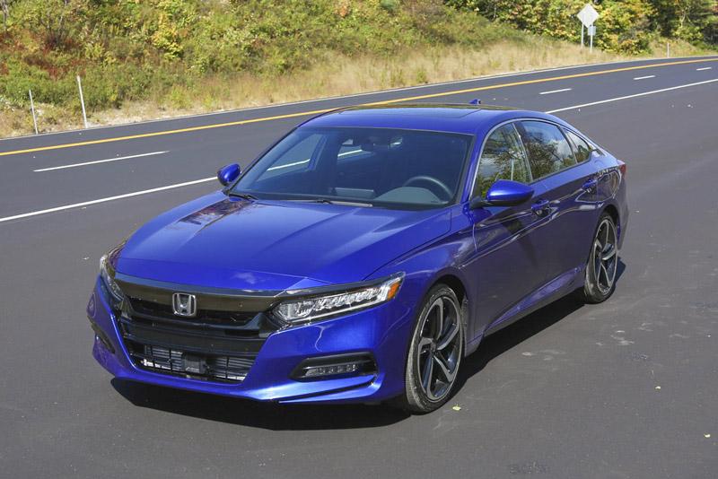 Honda Accord 2018 được trang bị giảm xóc MacPherson mới ở bánh trước giúp người lái có cảm giác thoải mái hơn.