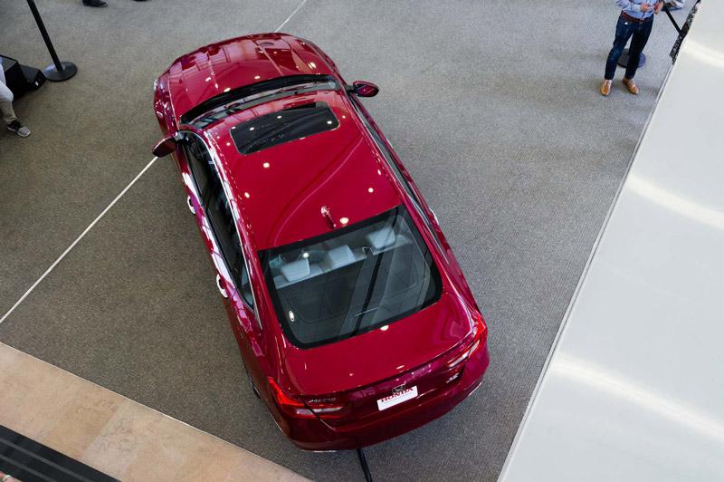 Ngoài ra, Honda Accord thế hệ mới vẫn có bản hybrid với 5 model Hybrid, EX, EX-L, EX-L Navi và Touring nhưng giá bán chưa được hãng xe Nhật Bản công bố.