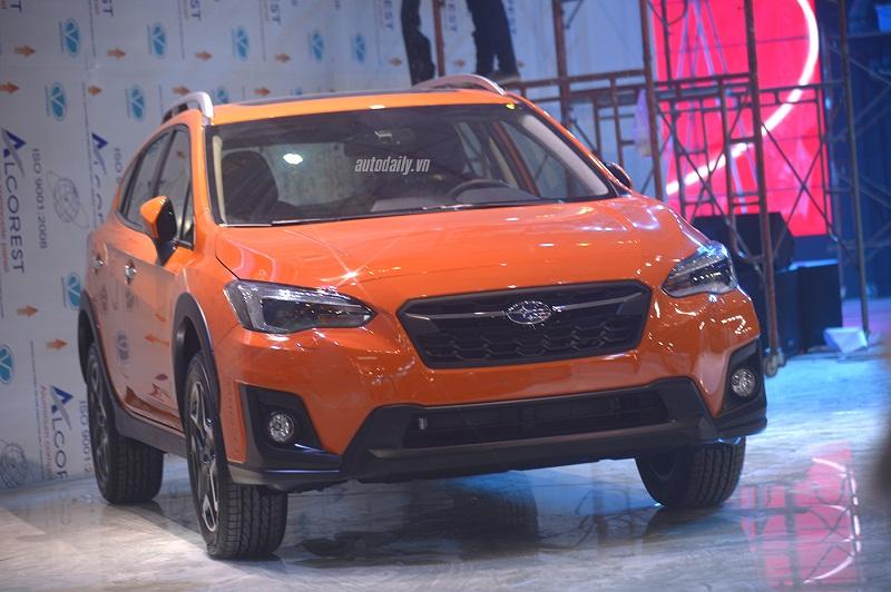 Ảnh nóng Subaru XV 2018 trước ngày ra mắt tại Việt Nam. Đây chính là những hình ảnh đầu tiên của chiếc Subaru XV phiên bản 2018 tại Việt Nam. Xe sẽ được ra mắt thị trường trong ngày mai (25/10) trong khuôn khổ VIMS 2017. (CHI TIẾT)