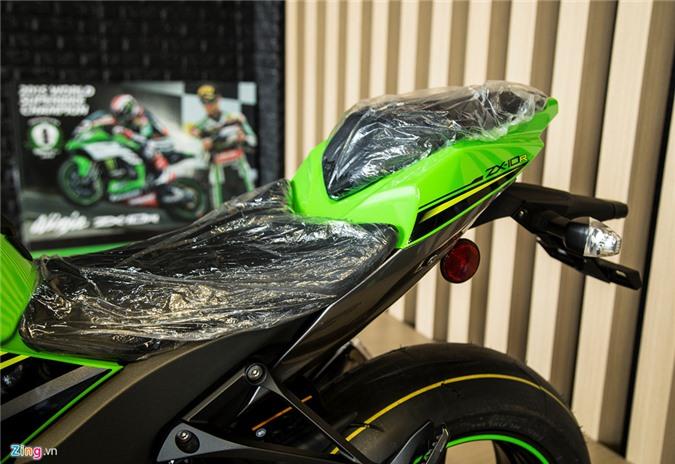 Chi tiet sieu moto Kawasaki ZX-10R gia 549 trieu dong tai VN hinh anh 10