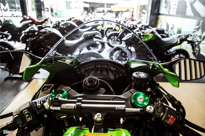 Chi tiet sieu moto Kawasaki ZX-10R gia 549 trieu dong tai VN hinh anh 4
