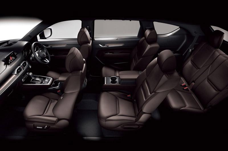Mazda CX-8 sở hữu 3 hàng ghế.