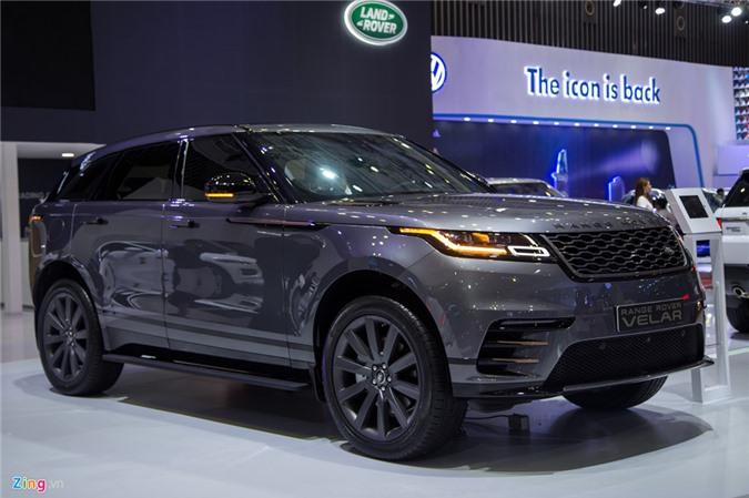 Ảnh chi tiết Range Rover Velar giá 4,9 tỷ đồng tại Việt Nam. Range Rover Velar ra mắt tại triển lãm VIMS 2017, phân phối chính hãng với 3 phiên bản, giá bán từ 4,9 tỷ đồng. (CHI TIẾT)
