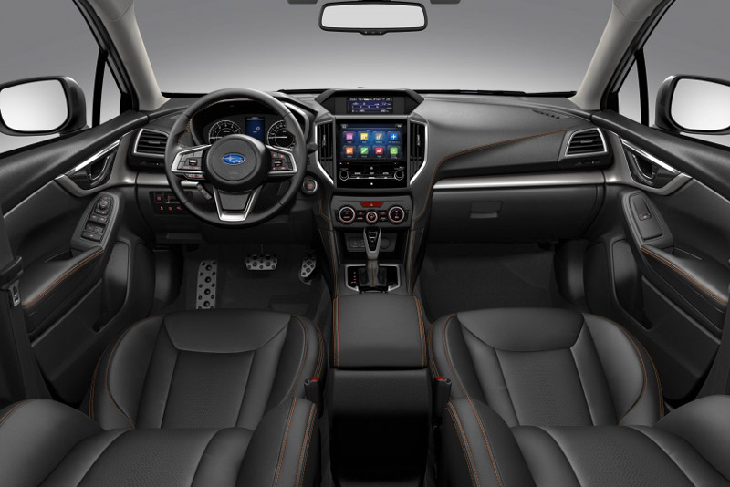 Subaru XV hỗ trợ kết nối USB, Bluetooth, Apple CarPlay. Màn hình giải trí trung tâm có kích thước 8 inch, hệ thống âm thanh 6 loa. Hệ thống điều hòa 2 vùng nhiệt độ độc lập.