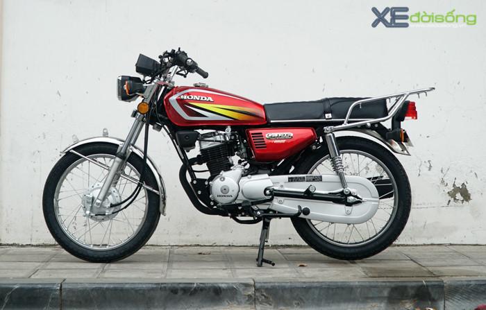Honda CG125 2017 về Hà Nội giá 36 triệu đồng. Thị trường xe côn tay phân khối nhỏ ở Việt Nam dần nóng hơn dịp cuối năm và mới nhất là chiếc Honda CG125 2017 có giá 36 triệu đồng vừa được bán ra ở Hà Nội. (CHI TIẾT)