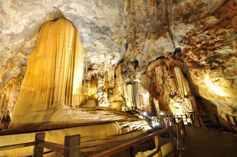Đây là một trong những điểm du lịch hấp dẫn bậc nhất tỉnh Quảng Bình. Ảnh: Miendongduong.