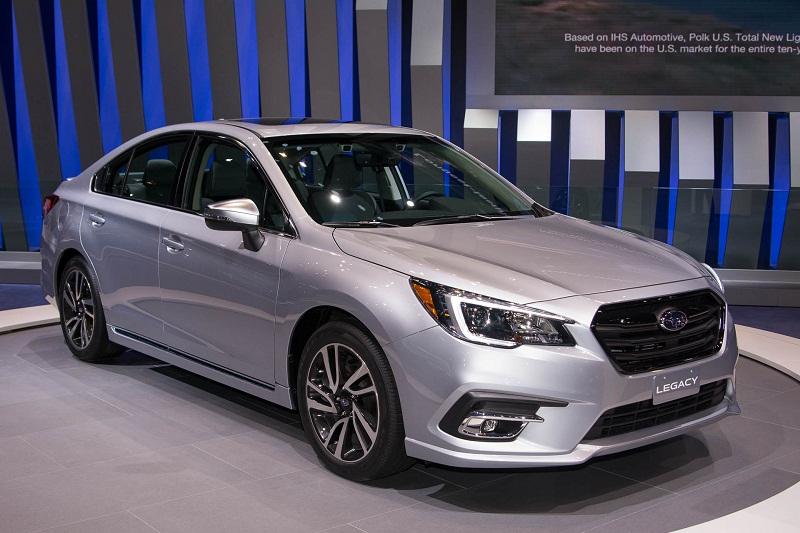 3. Subaru Legacy 2018.
