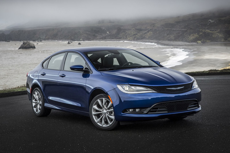 6. Chrysler 200 2018.