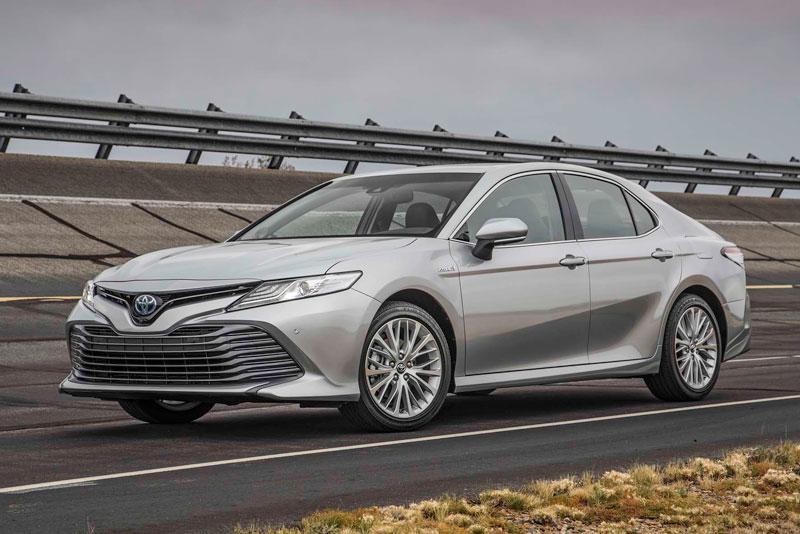 Top 10 xe sedan cỡ trung tốt nhất năm 2017. Trang AB vừa bầu chọn ra danh sách 10 xe sedan cỡ trung tốt nhất năm 2017. Trong đó có rất nhiều cái tên quen thuộc như Toyota Camry, Honda Accord, Mazda 6, Hyundai Sonata, Kia Optima, Volkswagen Passat… (CHI TIẾT)