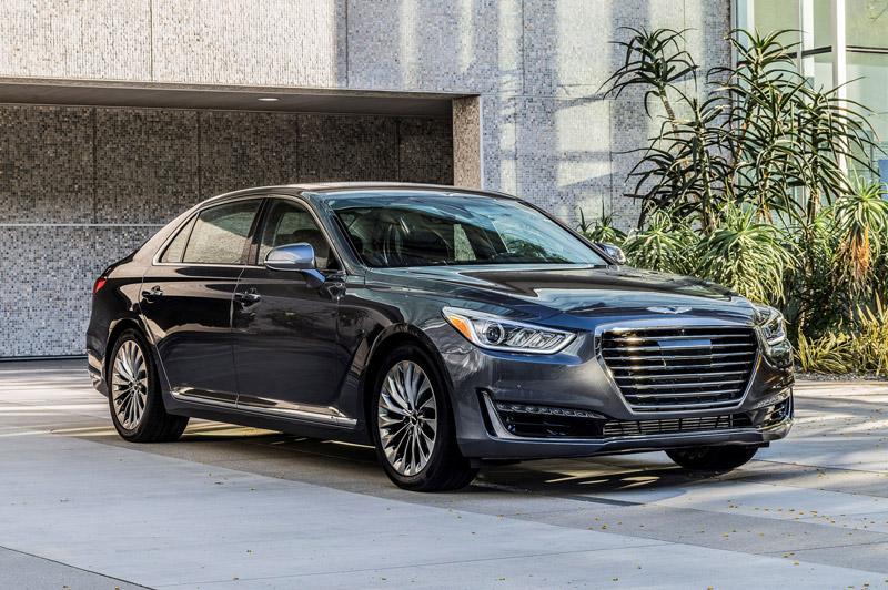 Top 10 xe sedan được trang bị camera lùi. Trang AB vừa liệt kê ra danh sách 10 xe sedan được trang bị camera lùi. Trong đó có Dodge Charger, Lexus GS, BMW 7 Series, Kia Optima, Audi A6, Infiniti Q50, Genesis G90, Mercedes-Benz S-Class… (CHI TIẾT)