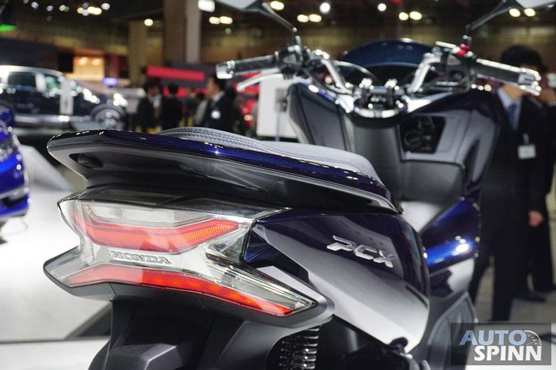 Honda PCX Hybrid - 12