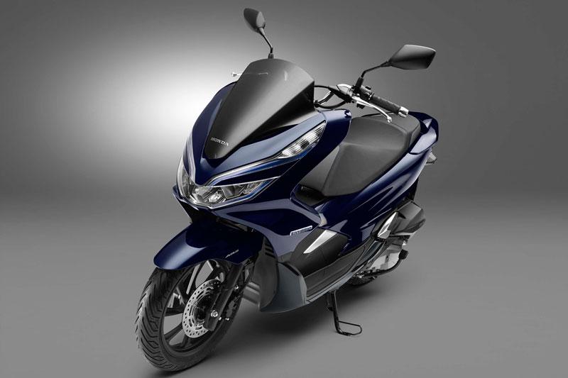 Thiết kế tổng thể của Honda PCX Hybrid không có nhiều khác biệt so với phiên bản đang bán tại Việt Nam.
