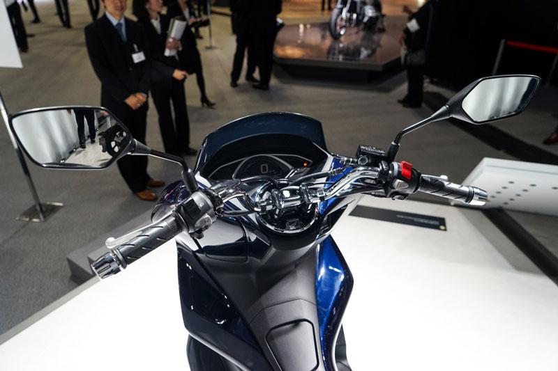Honda PCX Hybrid - 1