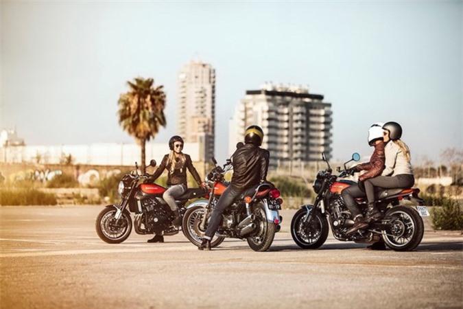 """Kawasaki trinh lang """"xe no"""" hoai co gia re Z900RS"""