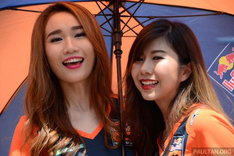 Chùm ảnh dàn mỹ nhân xinh đẹp tại giải Malaysia MotoGP 2017. Giống như các giải đua môtô khác, Malaysia MotoGP 2017 cũng không thể thiếu hình bóng của những mỹ nhân xinh đẹp. Họ là những nhân tố quan trọng làm tăng thêm tính hấp dẫn của giải đấu cũng như giúp các tay đua có thêm động lực thi đấu tốt hơn. (CHI TIẾT)
