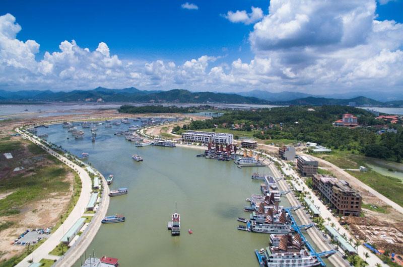 Tới ngày 1/1/2016, cảng chính thức được đưa vào khai thác và sử dụng. Ảnh: Đỗ Phương.