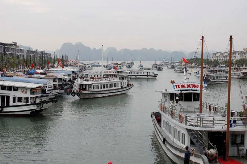 Cảng có diện tích lên tới 200 ha, nó có thể chứa được 2.000 tàu du lịch với hàng nghìn du khách cùng lúc. Ảnh: Tienphong.