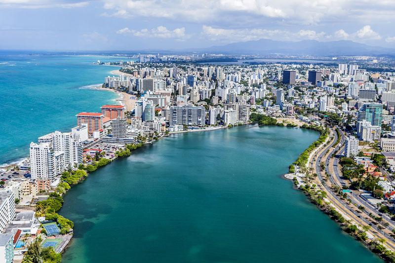 8. San Juan. Là thủ phủ và đồng thời là thành phố lớn nhất Puerto Rico (Mỹ). San Juan được biết đến với vẻ đẹp vừa hiện đại, vừa cổ kính với nhiều điểm đến hấp dẫn. Nơi đây nổi tiếng với pháo đài, nghĩa trang cổ, những bãi biển xinh đẹp và các ngôi nhà mang phong cách kiến trúc của Tây Ban Nha.